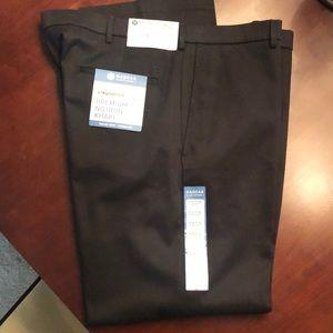 NWT Men's No Iron Khaki Pants